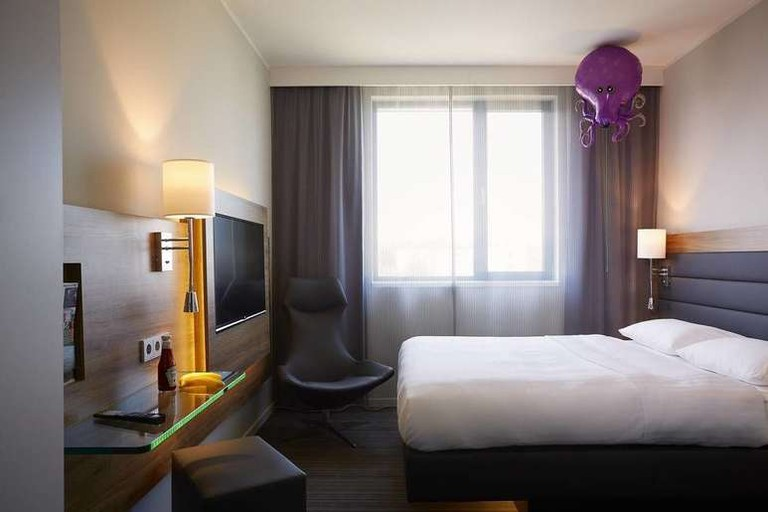 Guest room at Moxy London ExCel