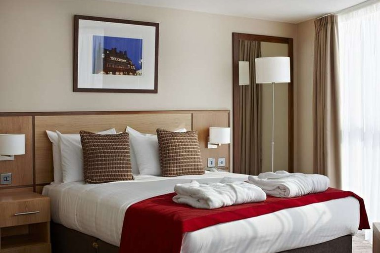 Deluxe Double room at Clayton Crown Hotel