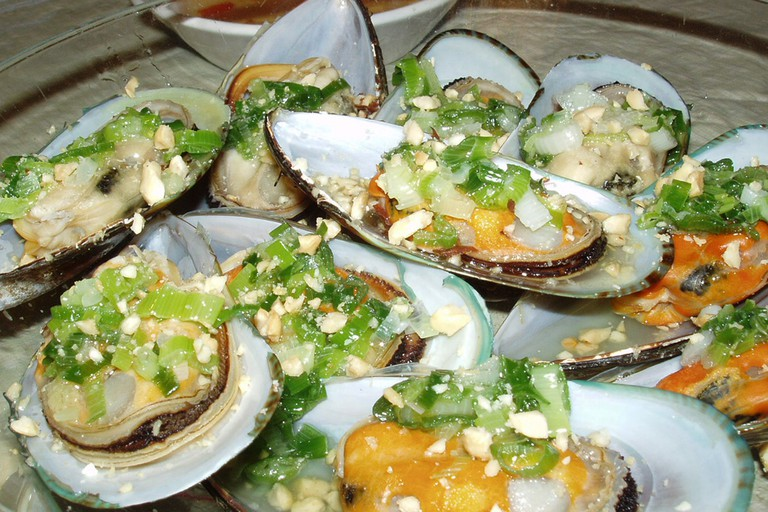 Oysters with fish sauce