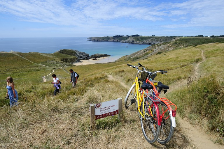 The best way to see Belle-Île is by bike