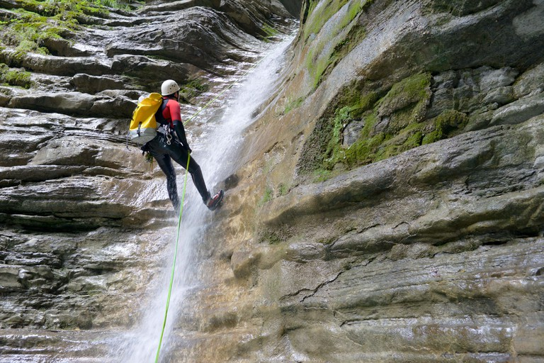 The commune of Plougonvelin makes the perfect base for canyoning along the Breton coast