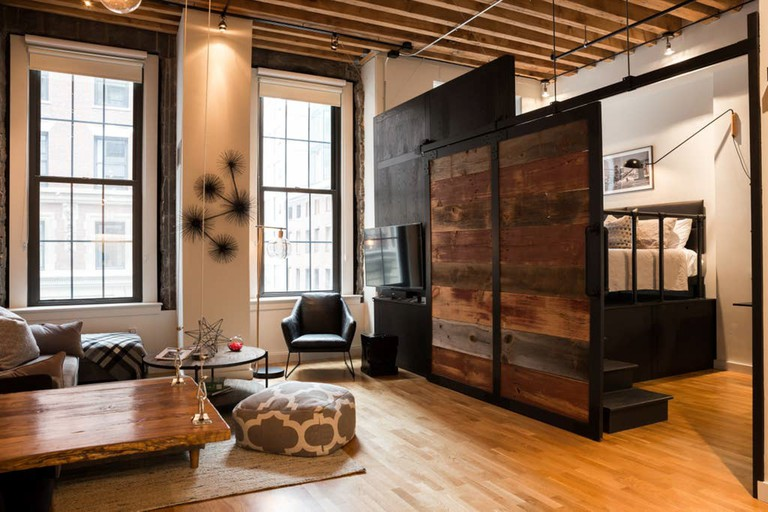 Industrial 19th-century loft downtown