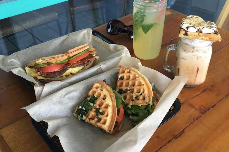 TIABI Coffee & Waffle