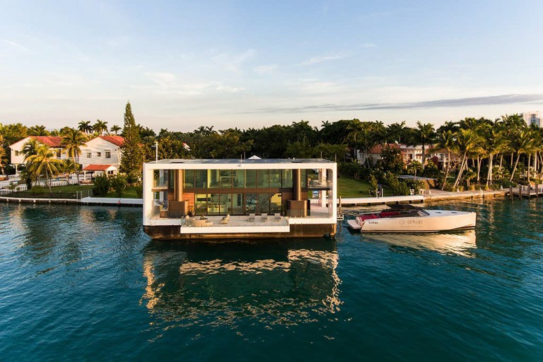 Luxury Floating Villa in South Beach Miami