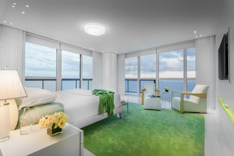 Ultra Luxurious Condo Miami Beach