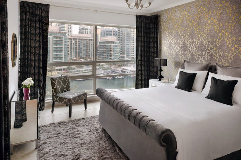 Experience panoramic views of the Dubai Marina