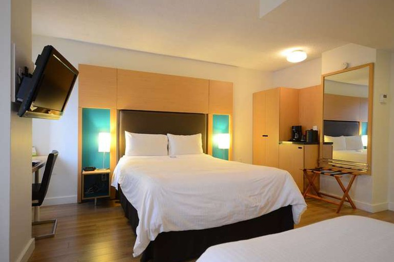 The Bond Place Hotel Toronto's location puts you in the center of the action