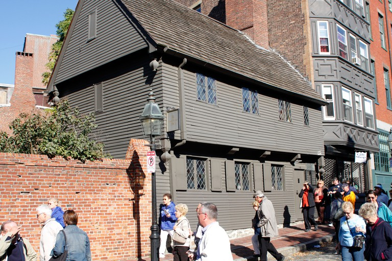Tourists ease past Paul Revere House in 2008