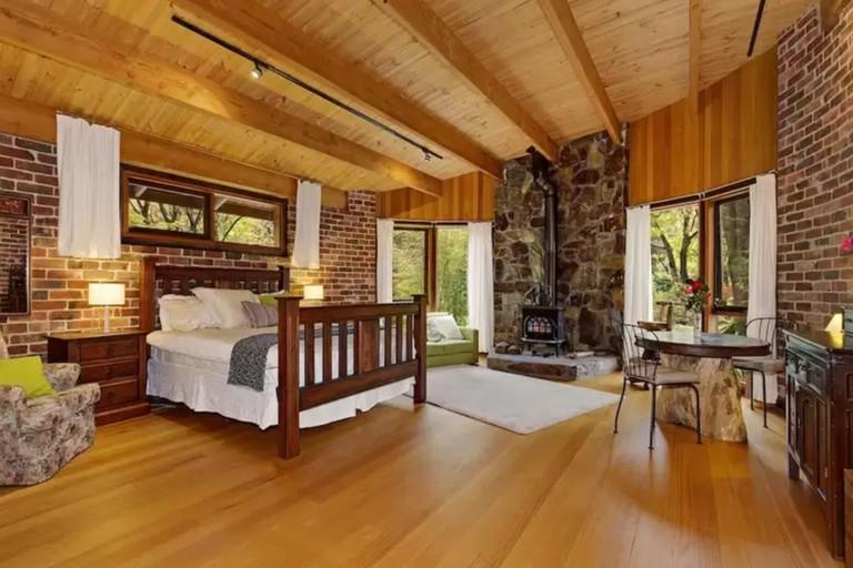 Rocky Creek Art Garden Bed and Breakfast