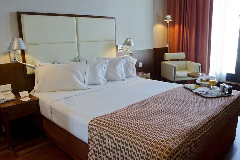 VIP Executive Art's is an affordable four-star hotel close to the airport