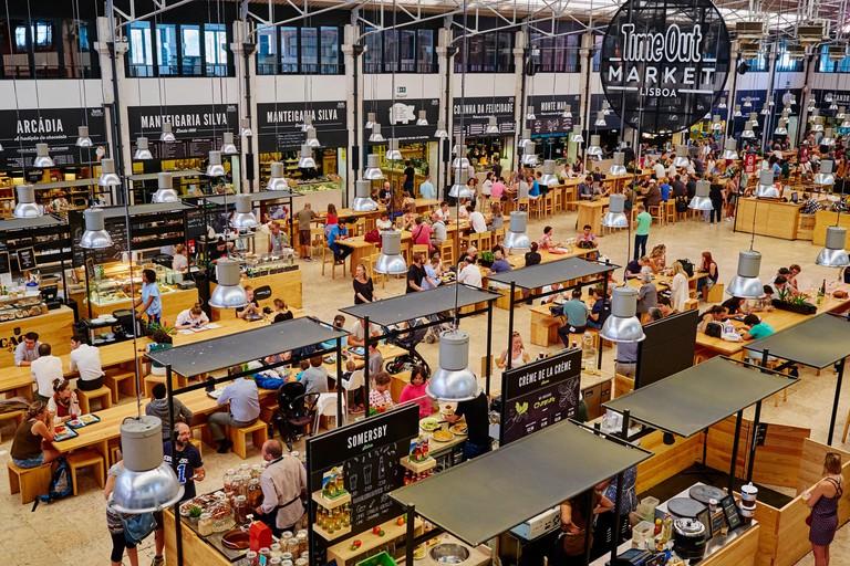 Portugal, Lisbon, food court Time Out Mercado da Ribeira