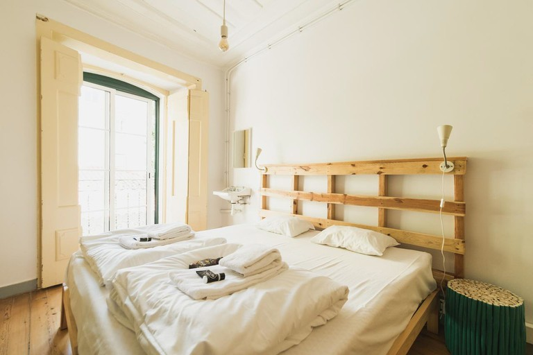 03-Hub New Lisbon Hostel-booking