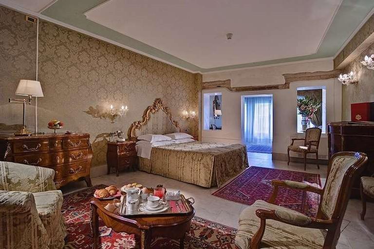 Junior suite at Al Ponte Antico Hotel