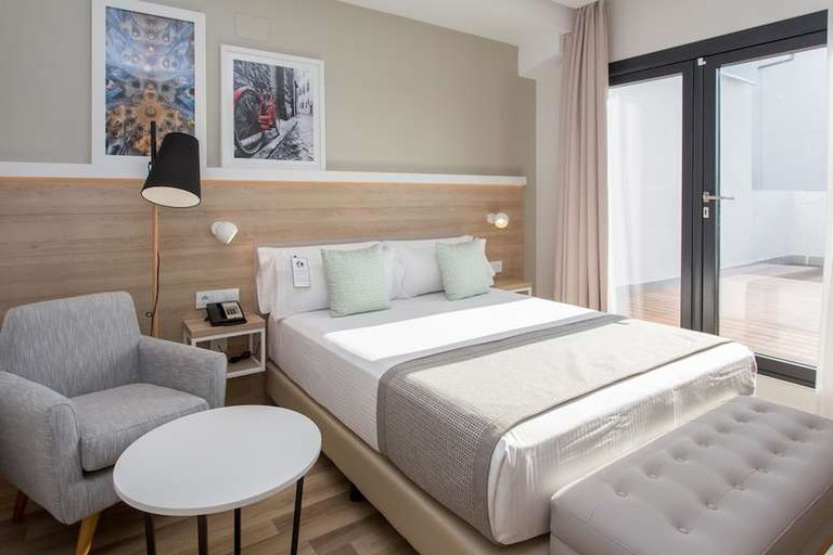 Double room at Hotel Golden Tulip Barcelona