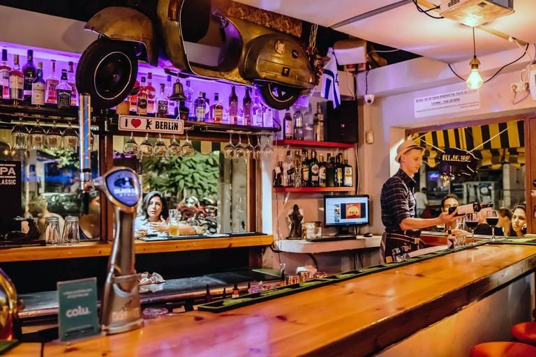 berlin in florentin bar_official facebook (1)
