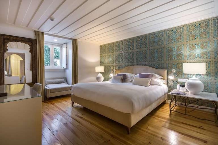 King room at Santiago de Alfama