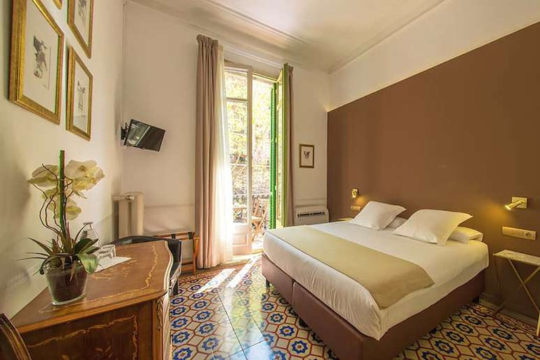 Double room at Mihlton Barcelona B&B