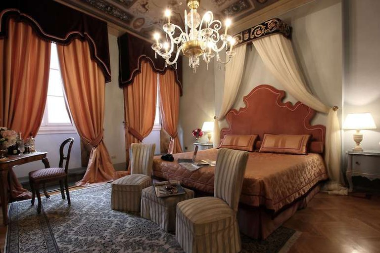 Guest room at Piazza Pitti Palace