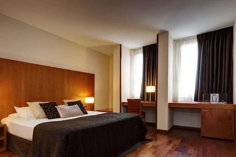 Guest room at Acevi Villarroel