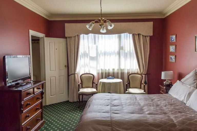 Queen room at Toorak Manor
