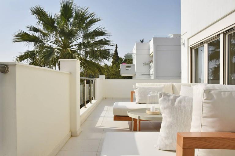 Aqua Villa with indoor spa in Athens Riviera