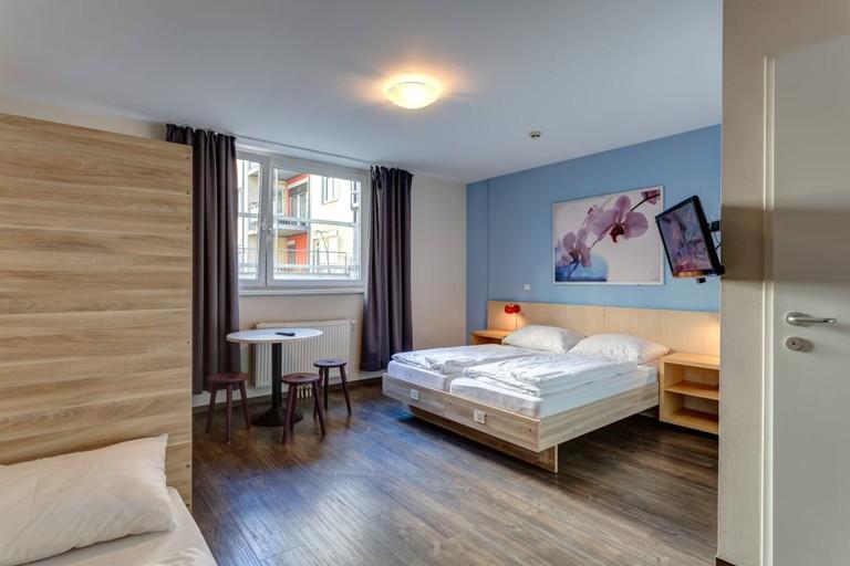 Guest room at Meininger Hostel Wien Central Station