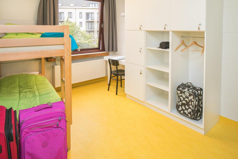 The hostel is located within 10 minutes' walk of Brussels' hotspots.