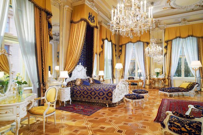 Palatial room with grandiose design