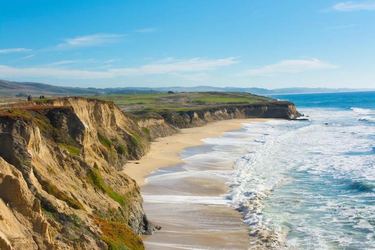 Cliffside walking trails with ocean views at Half Moon Bay