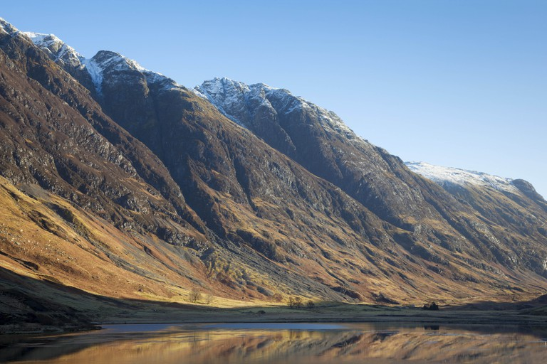 Looking up Glen Coe at Loch Achtriochtan, with the Aonach Eagach
