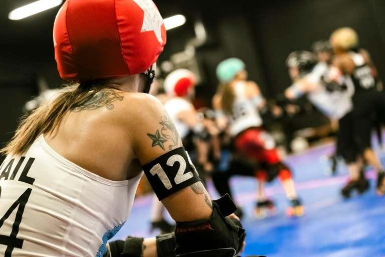 Brooklyn, New York, USA.  The Gotham Girls Roller Derby team at a practice session.
