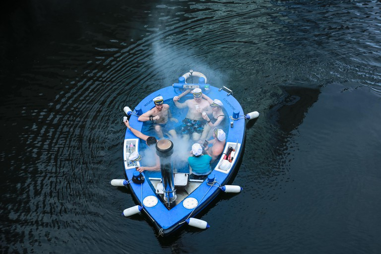 Hot Tub Boat in the docks of Canary Wharf