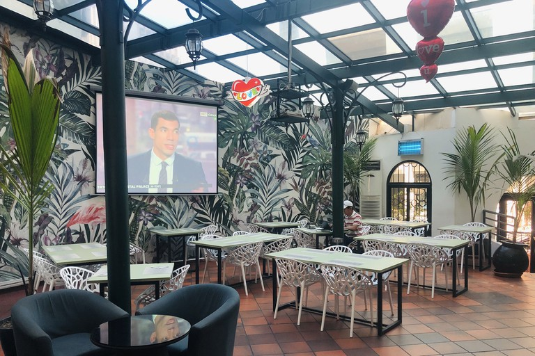BH - Cafe Du Rome