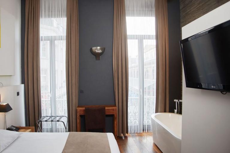 large-room-8-1200x675
