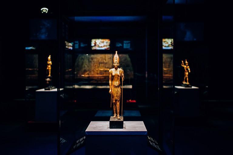 Statue Cases (1)