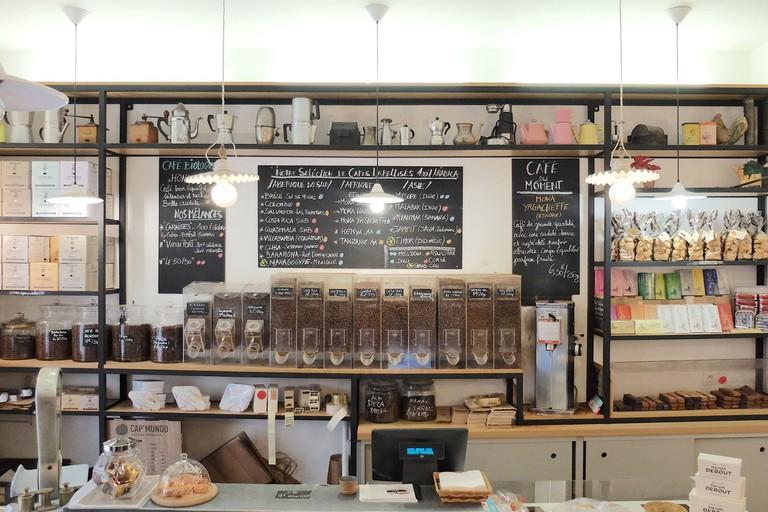 Cafes-Debout_Alexis