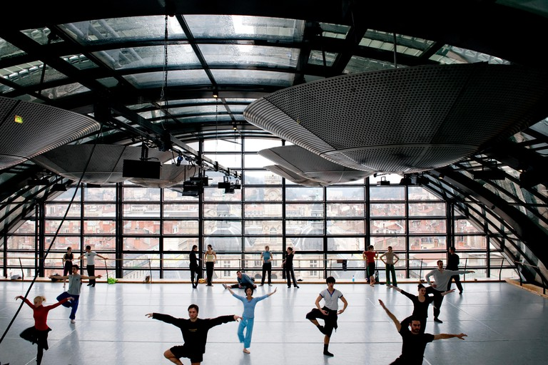 A dance lesson at the National Opera of Lyon