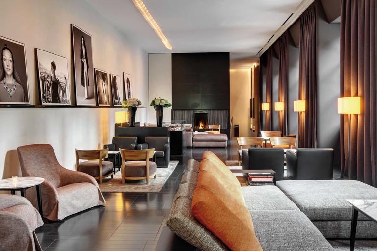 56437-root-interiors-lobby