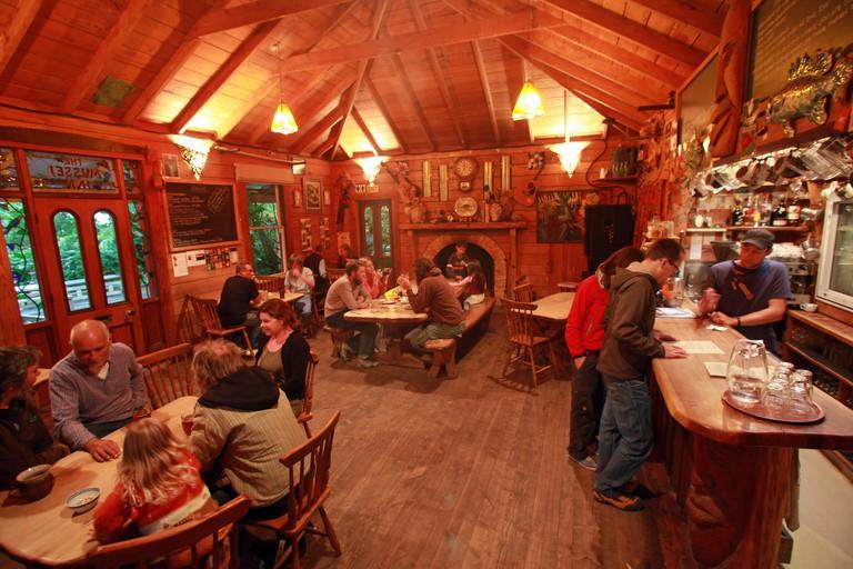 Mussel Inn, Golden Bay
