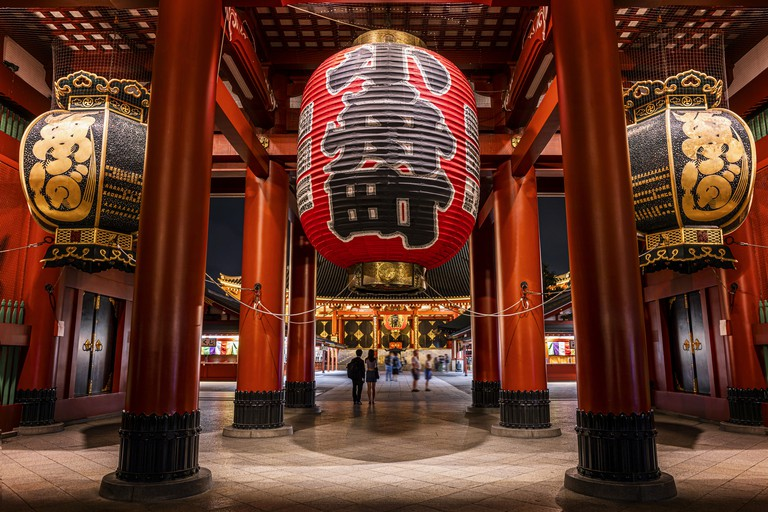 The big red lantern of Sensoji Asakusa temple in Tokyo, Japan stock photo