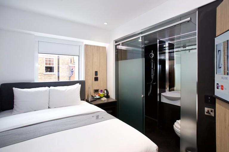 Queen room at Z Hotel Tottenham Court Road
