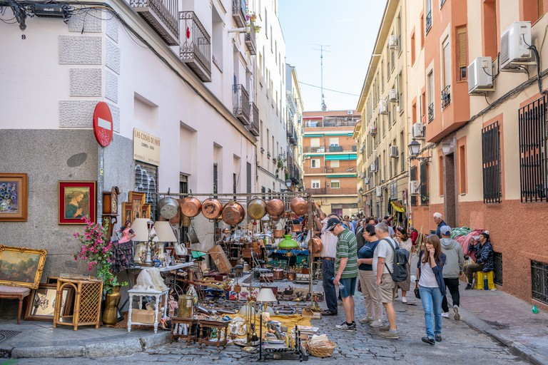 People at the famous El Rastro market in the La Latina / La Ribera neighborhood in Madrid