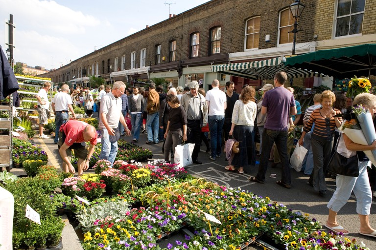 Colombia Road flower market on a Sunday morning, Bethnal Green, East London. Image shot 09/2008. Exact date unknown.