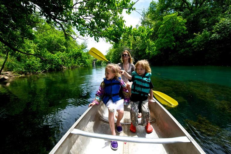 Family has rented canoe on the Colorado River in Austin, Zilkar Park Texas, USA