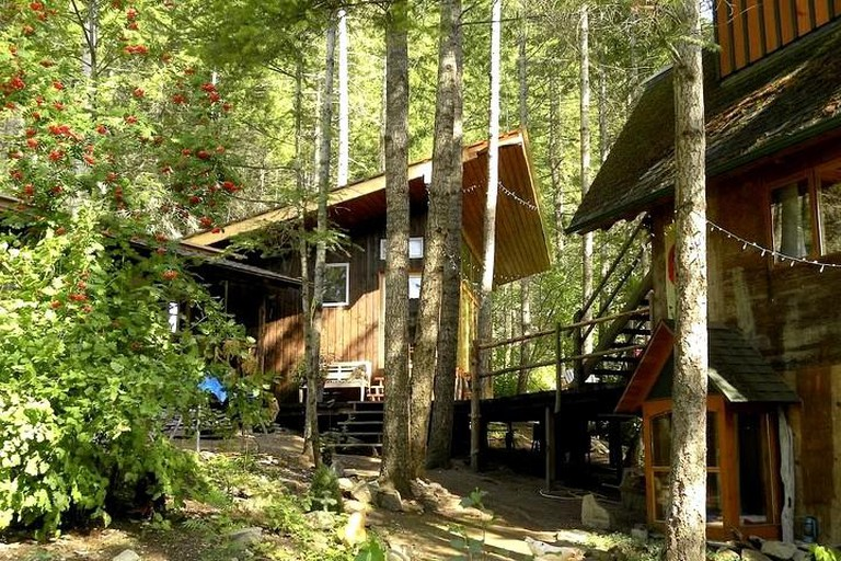 Glamping in a rustic treehouse, British Columbia
