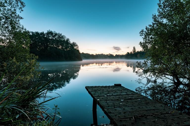 Chorlton water park misty sunrise