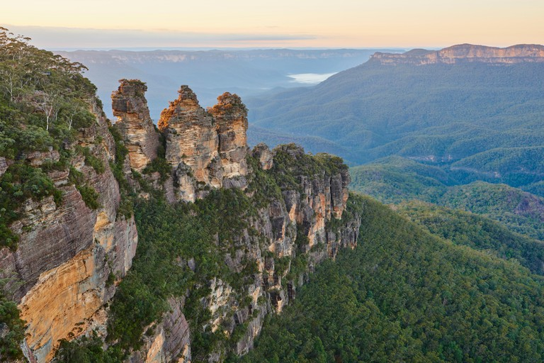 Three Sisters with Jamison Valley in the Blue Mountains, Blue Mountains Nationalpark, New South Wales, Australia