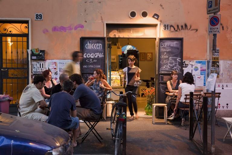 Stadtviertel Pigneto: Bar in der Via Pigneto, Rom   usage worldwide