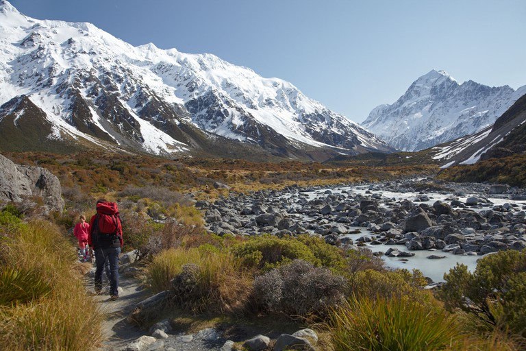 Aoraki / Mt Cook, Hooker River, and hikers, Hooker Valley, Aoraki / Mt Cook National Park, Canterbury, South Island, New Zealand