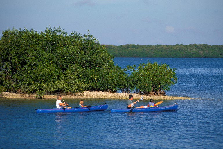 kayaking paddling sport outdoor recreation great calusa blueway sanibel captiva islands southwest florida barrier island lee